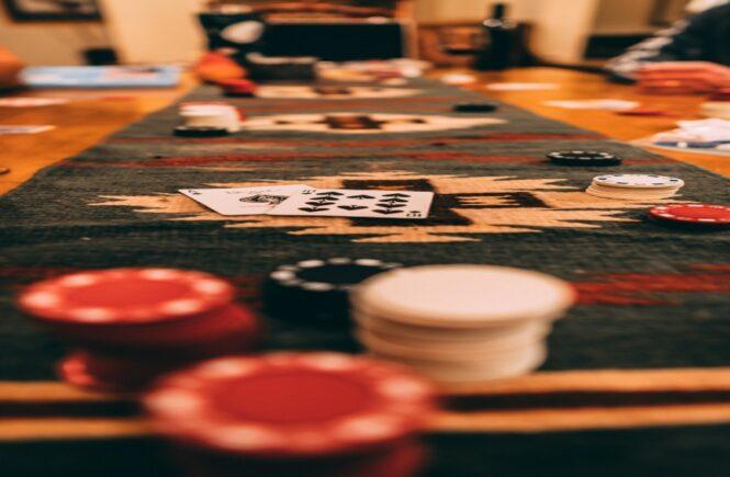 Should You Play Poker or Blackjack - A comparison