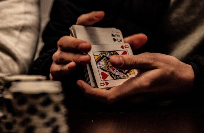 How Can Beginners Start Winning Video Poker?