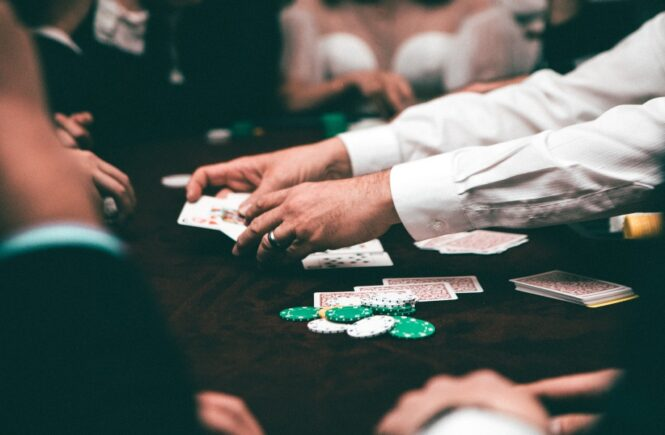 How To Change Your Blackjack Hands Based On The Playing Rules of The Game?