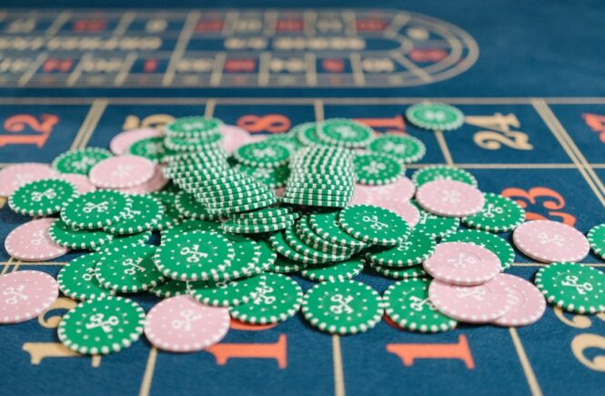 What is Edge-sorting in Baccarat and is it Legal?