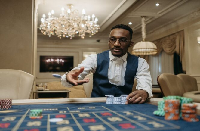 What are the characteristics that separate Blackjack players from Poker Players?